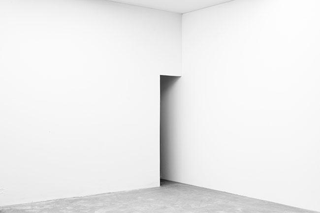 「White Cube‐06」 2013 インクジェットプリント 100 × 150cm 東京藝術大学大学美術館所蔵