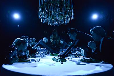 「ジャーニー オン ザ テーブル」 Photo : Veuve Clicquot