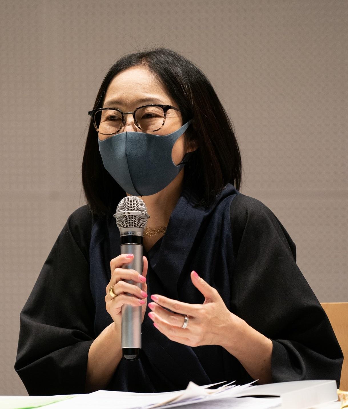 川上 典李子(ジャーナリスト・21_21 DESIGN SIGHTアソシエイトディレクター)