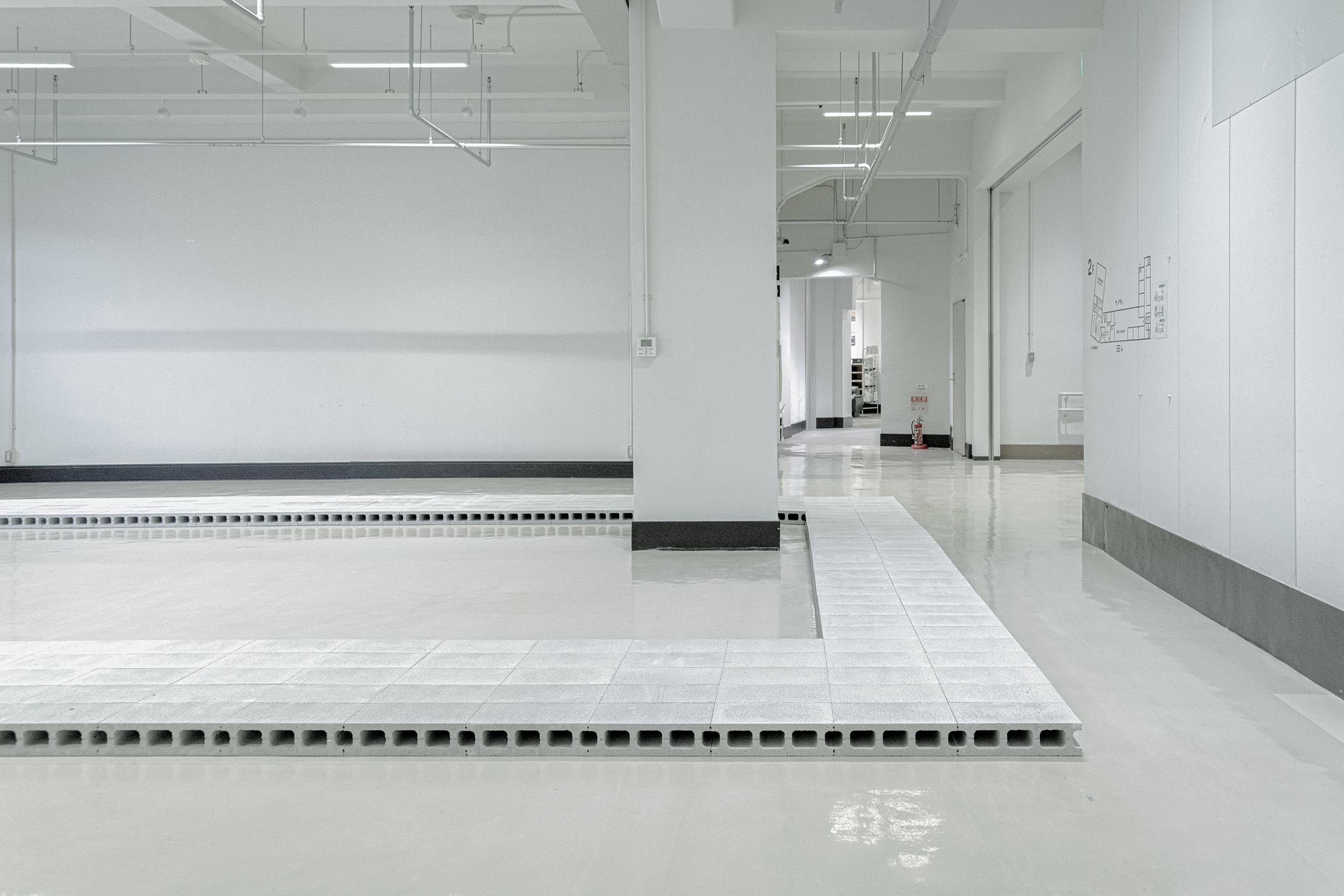 "Ryuji Nakamura《Design for the ""FormSWISS"" Kobe exhibition space》2021 Photo by Takato Miyoshi"